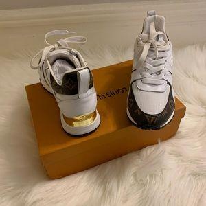 LV runaway sneaker wmns size 8.5